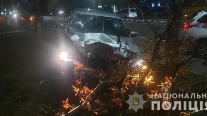 Под Киевом пьяный полицейский насмерть сбил женщину на зебре