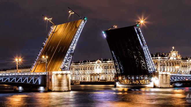 В ночь с 16 на 17 апреля в Петербурге разведут четыре моста