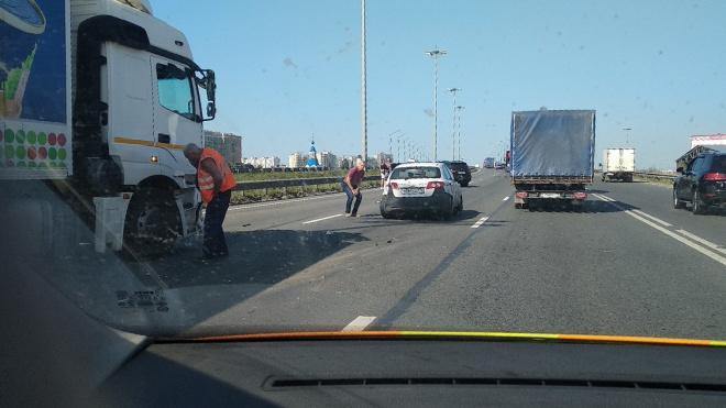 Фура и три легковушки попали в ДТП на Московском шоссе