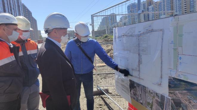 Губернатор Петербурга оценил строительство Среднерогатской улицы