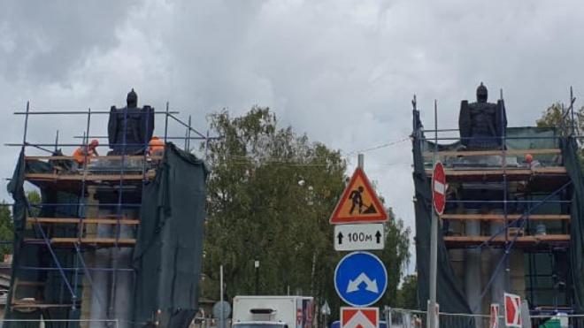 В Гатчине завершена реставрация Смоленских ворот