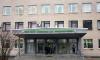 Контейнеры для хранения тел умерших заметили у нескольких больниц Петербурга