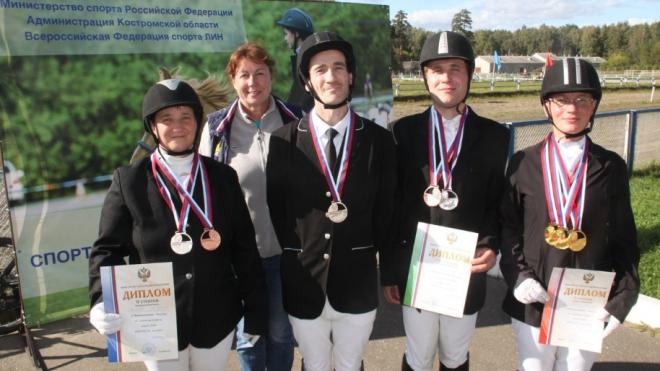 Петербургские паралимпийцы завоевали 8 медалей на Чемпионате России по конному спорту