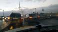 В Петербурге на Троицком мосту легковушка перегородила ...