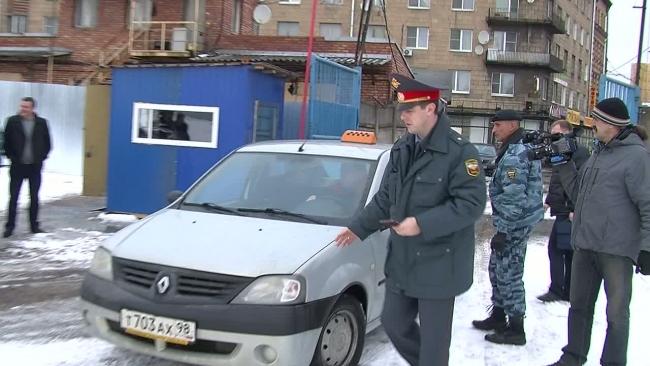 В Петербурге продолжаются облавы на нелегальные такси