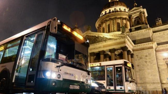 """В """"Ночь музеев"""" в Петербурге запустят 45 автобусов"""