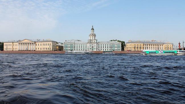 Население Петербурга растет за счет мигрантов