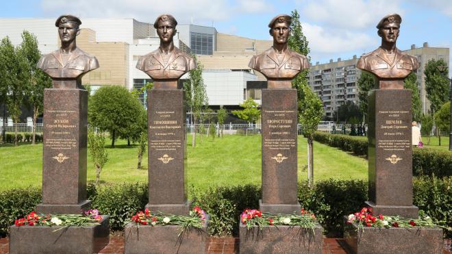 В Петербурге открыли бюсты воинам-десантникам шестой роты
