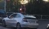 Голые пассажиры иномарки возмутили водителей неприличными жестами