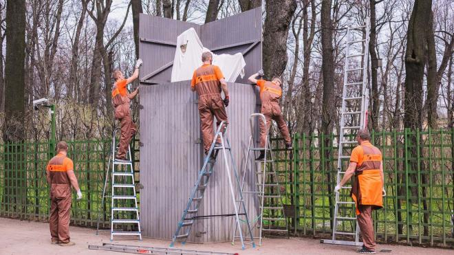 Скульптуры Летнего сада спрячут в футляры после 26 октября