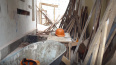 На Петровской косе рабочего придавило бетонной плитой