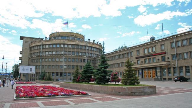 Администрация Московского района добилась  демонтажа кондиционеров на Типанова через суд