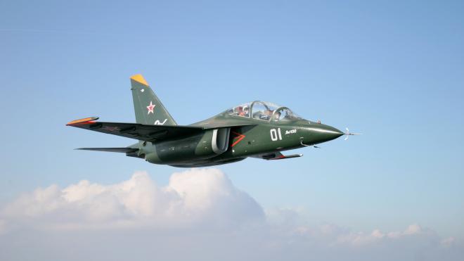 Под Борисоглебском во время учений разбился военный самолет Як-130