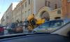 На Фурштатской трактор упал на припаркованные машины