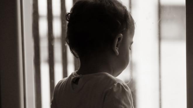 В Петербурге за март погибли трое детей, выпавшие из окон