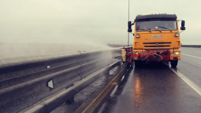 Федеральные трассы очищают от мусора - работы коснутся и Выборгского района