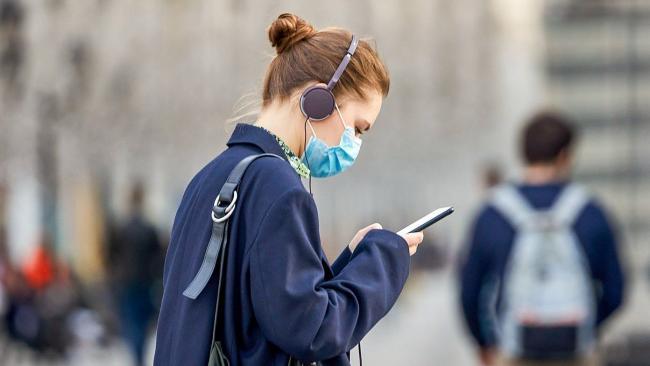 В России за сутки коронавирусом заболело 8 тысяч 672 человека, на 378 больше, чем днем ранее
