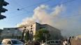Очевидцы: подростки устроили пожар на крыше дома на набе...