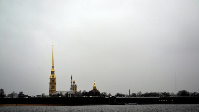 На майские праздники большинство туристов посетят Петербург