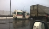 Очевидцы рассказали, почему скорая помощь влетела в грузовик на КАД