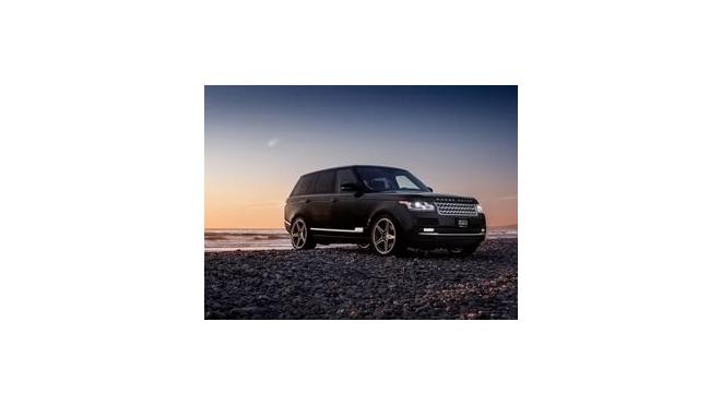 В Петербурге с парковки угнали дорогущий Range Rover, взятый в кредит
