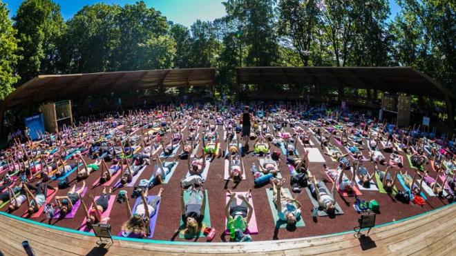 Фестиваль йоги Wanderlust 108