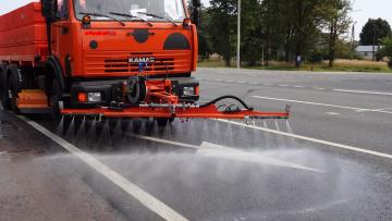 За прошлый месяц с улиц Петербурга вывезли 10 тысяч тонн загрязнений