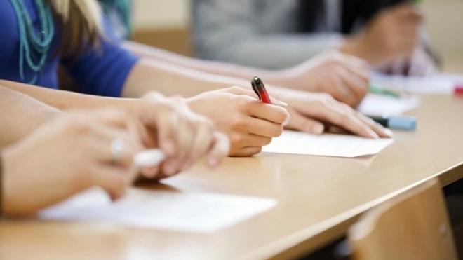 Одиннадцатиклассники Выборга написали пробное сочинение