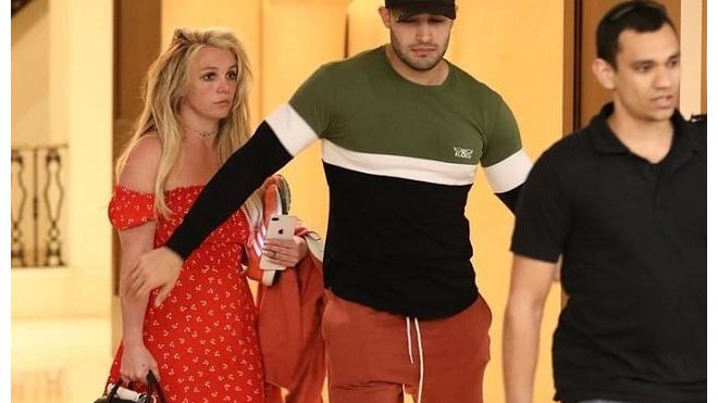 """Бритни Спирс: """"Отец против моей воли поместил меня в психбольницу"""""""