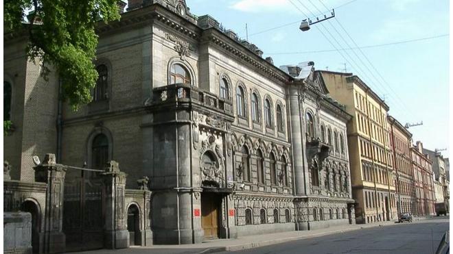 Здания петербургских комитетов передадут музеям