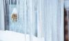 На Адмирала Коновалова на ребенка прокурора Петербурга упала глыба льда