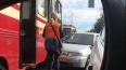 На Тихорецком проспекте автомобилист въехал в трамвай