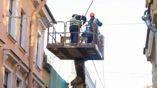 Днепровский и Бугский переулки осветят новыми фонарями в 2021 году