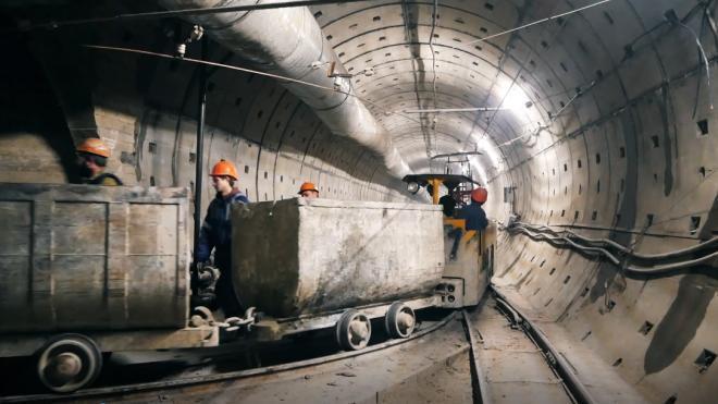 Строительство 6 линии метро Петербурга приостановлено из-за нарушений