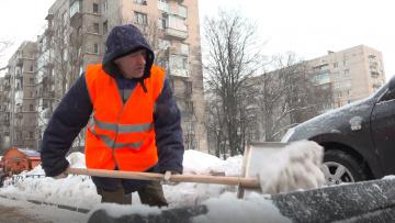 Уборка снега с улиц Петербурга завершена на 90%