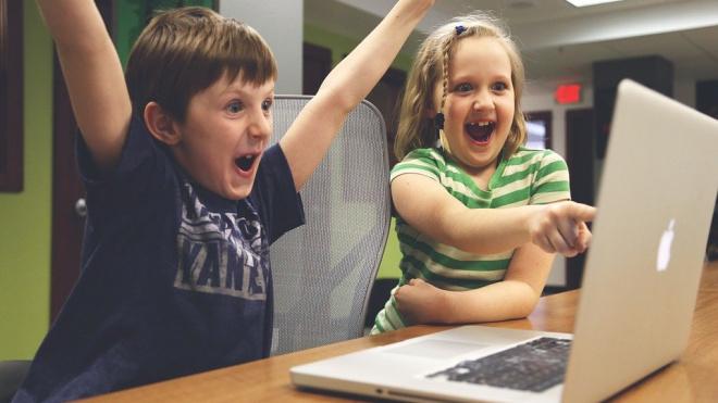 Петербургским школьникам, не имеющим выхода в Интернет, придумают методику