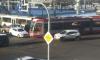 На Светлановской площади парализовало движение из-за ДТП с трамваем