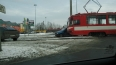 На улице Руставели трамвай раздавил автомобиль Renault ...