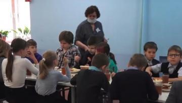 Роспотребнадзор Ленобласти рассказал о важности общественного контроля за питанием школьников