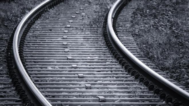 """Поезд насмерть сбил пенсионера на станции """"Грузино"""""""