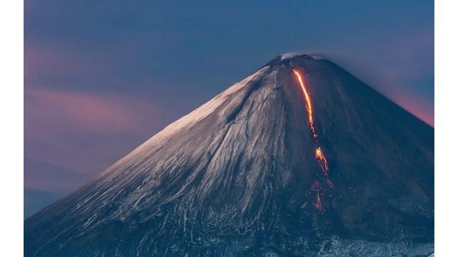 На Камчатке приостановлено спасение туриста, который потерял сознание при восхождении на вулкан