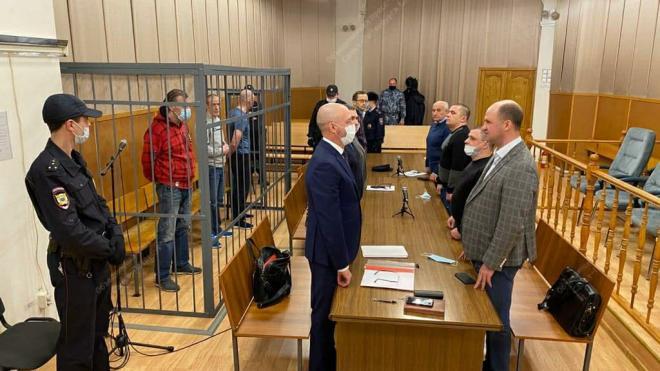Петербургский военный суд вынес приговор по делу о нападении на сотрудника ФСБ с подстроенным ДТП