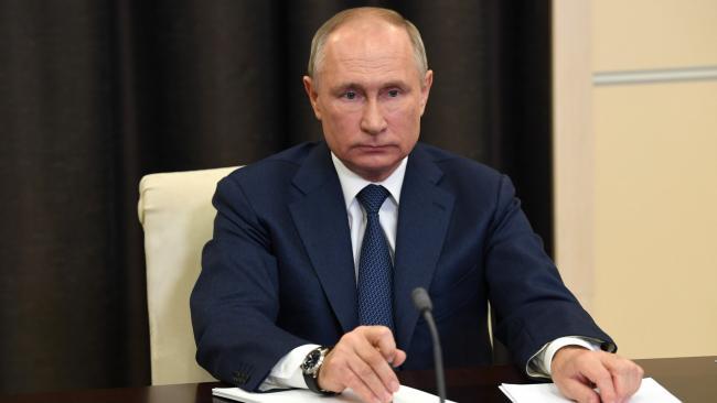 Путин поручил рассмотреть вопрос создания археологического музея-заповедника на Охтинском мысе