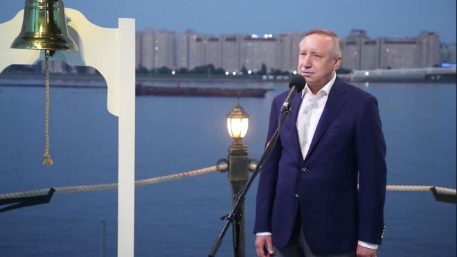 """Губернатор Петербурга пожелал выпускникам """"попутного ветра"""""""