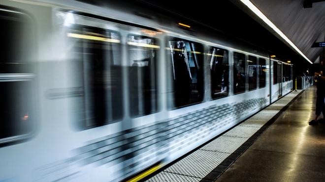 В Вашингтоне поезд сошел с рельс
