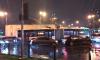 """Около метро """"Лесная"""" на автобус с пассажирами упали провода"""