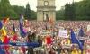 В Кишиневе спецназ оттеснил протестующих от входа в парламент