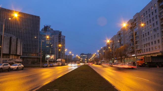 На улице Одоевского установили 170 новых светильников