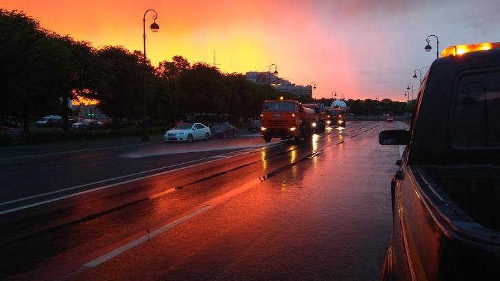 Дорожные службы очистили город от загрязнений к 5 утра после празднования Алых парусов