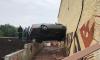 В Казани иномарка подлетела и воткнулась в стену зоопарка
